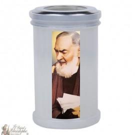 Kaarsen om Pater Pio te bedanken