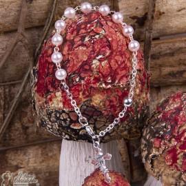 Bracelet perles nacrées avec croix calice - dizaine