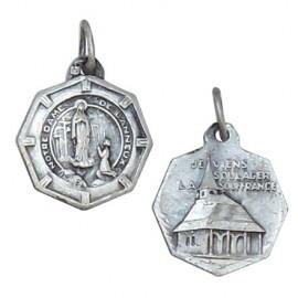 Médaille Vierge de Banneux et petite chapelle